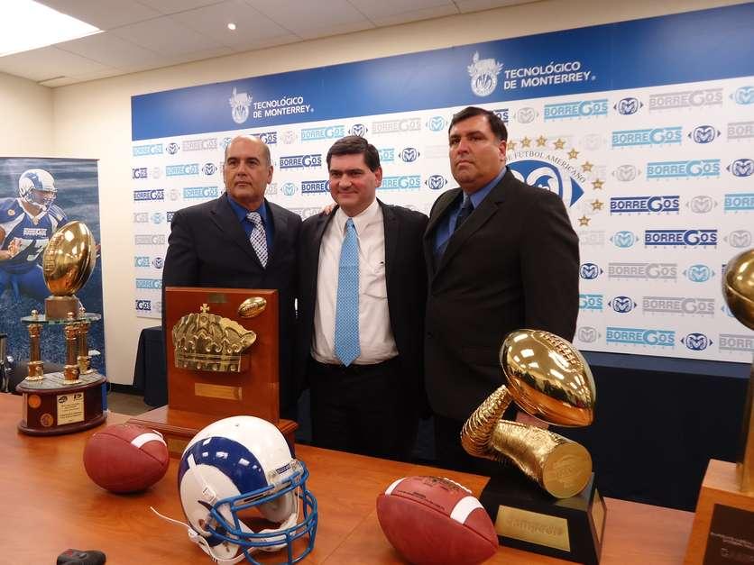 Coach Frank González deja a Borregos del TEC tras 27 años.