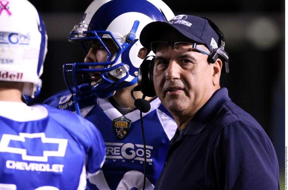 Coach Frank González anuncia retiro del ITESM.
